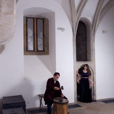 Pregéř s průvodkyní ve Vlašském dvoře